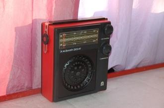 Год выпуска радиоприёмника хазар-403 - был отмечен сразу двумя знаменательными со бытиями